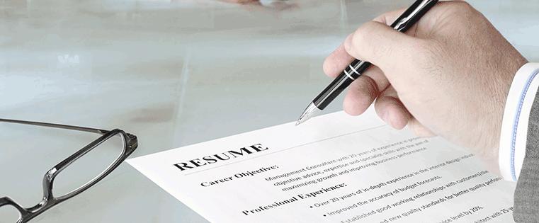 25 perguntas de entrevista de vendas para recrutar os melhores representantes