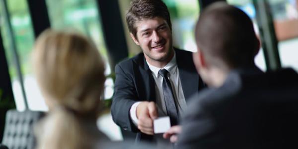 Networking: Como Iniciar uma Conversa Com Desconhecidos num evento
