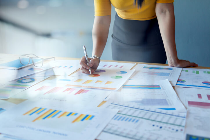 Guia do Benchmarking: entenda o que é, a importância e como fazer